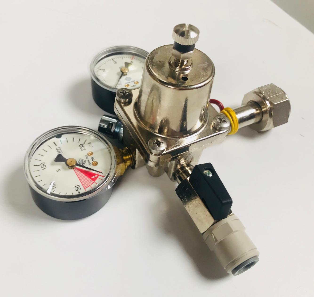 Reduktor pojedynczy CO2 firmy ODL z szybkozłączką John Guest 3/8